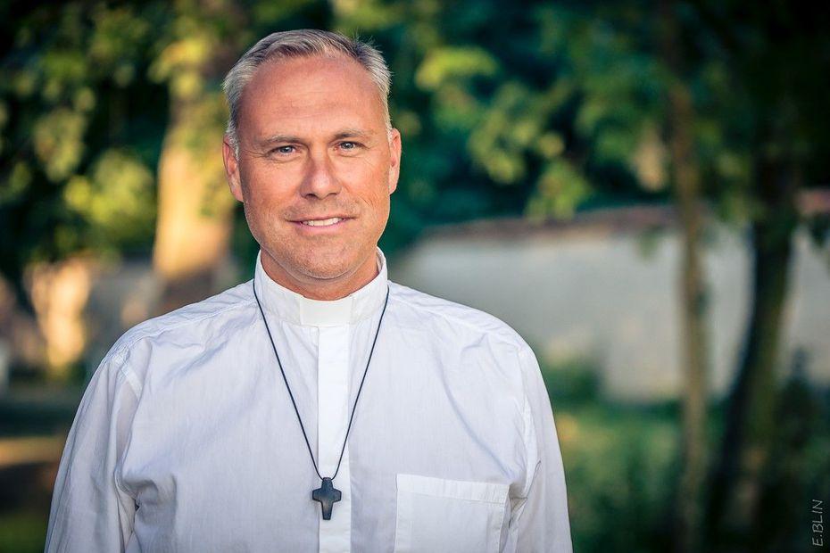 Reconfinement : le curé de Reims Saint-André en appelle à plus de fraternité, après cinq suicides dans sa paroisse