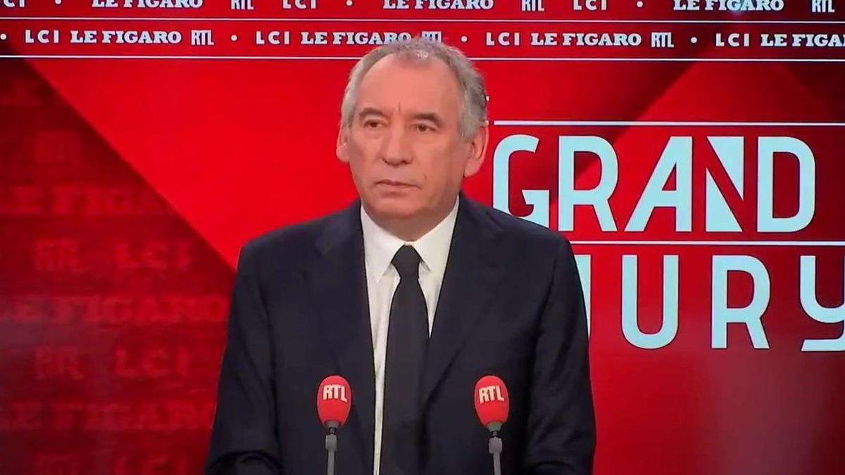 La gestion de François Bayrou sérieusement égratignée par la Chambre régionale des comptes