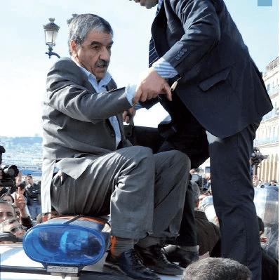 Saïd Sadi serait-il impliqué dans une opération d'évasion de devises ?