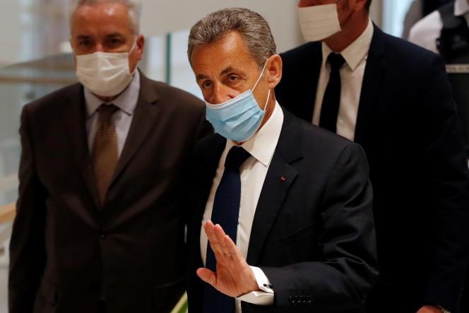 Trois ans de prison dont un ferme pour Nicolas Sarkozy pour corruption !