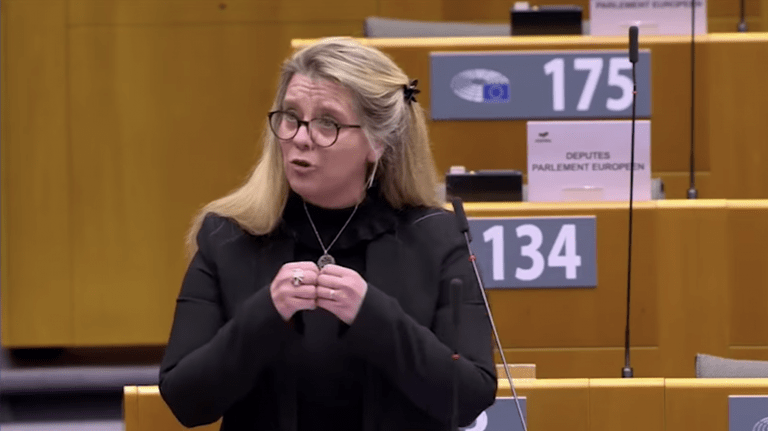 Passeport vaccinal : « Coup de gueule » de la député européenne Anne-Sophie Pelletier !
