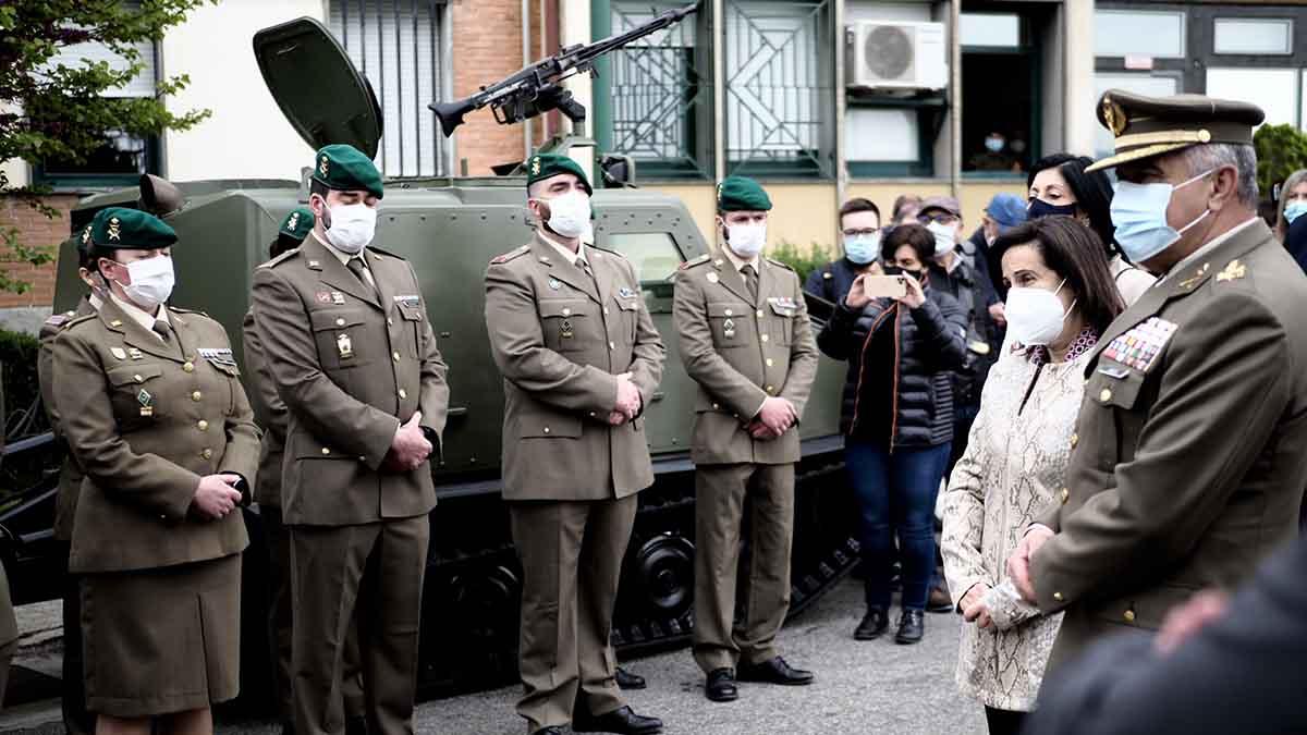 Espagne : la ministre de la Défense affirme que le vaccin d'AstraZeneca a causé la mort d'un soldat en Navarre