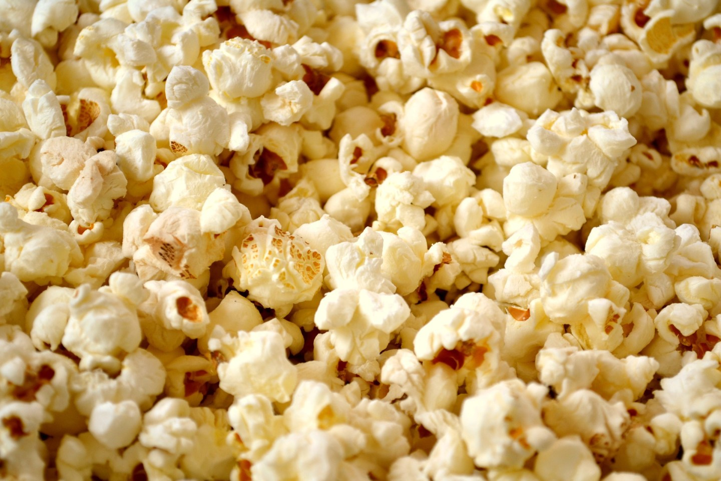 weight loss-friendly foods, try popcorn as a healthy snack!