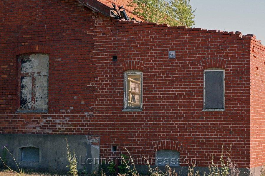 Old partly demolished labour home, Jordberga Sockerbruk