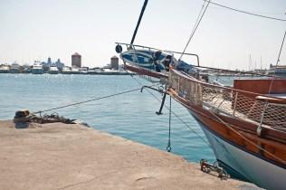 Turkisk yacht på besök i Rhodos hamn