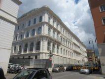 Piazza Dante: Casse di Risparmio Postali, lato posteriore