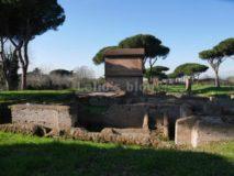 Tombe di via Latina: Terme