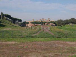 Circo Massimo: sullo sfondoil retro dell'ex Pastificio Pantanella