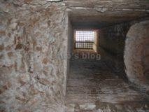 Mausoleo Monte del Grano: Foro di aerazione sul corridoio