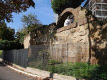 Piazza Manfredo Fanti: Mura Serviane all'Aventino