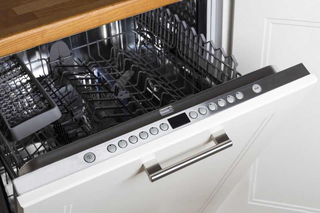 un lave vaisselle encastrable