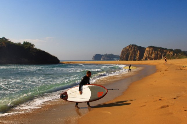Surfisti occidentali in Corea del Nord