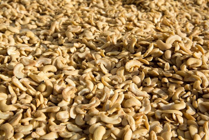 https://i0.wp.com/www.lemanger.fr/en/wp-content/uploads/2012/02/Cashew-nuts-Philippines-Palawan.jpg