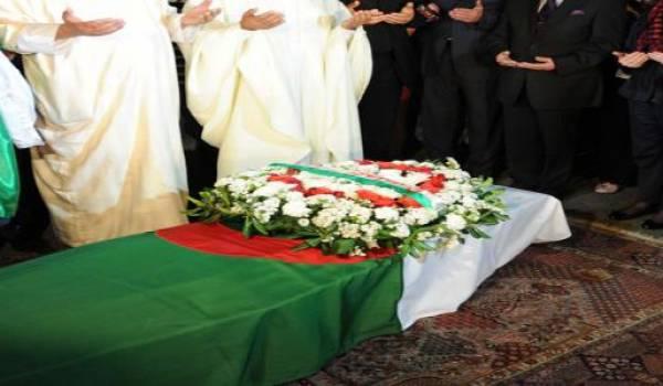 Encore un étudiant qui rentre en Algérie dans un cercueil.