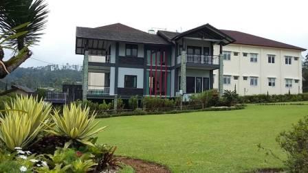 Villa Untuk Reuni di Lembang Bandung