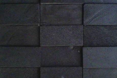 biaya pasang dinding batu alam