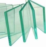 Perhatikan bagian pinggir kaca yang tampak hijau kebiruan