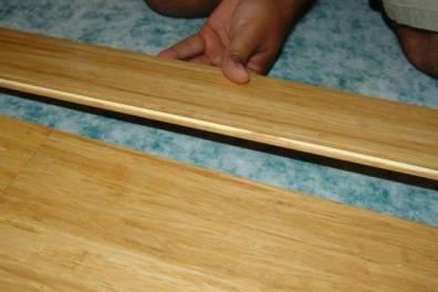 pemasangan lantai bambu