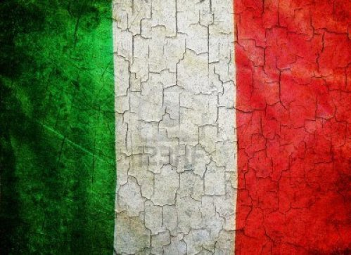 12066299-italy-flag-on-a-cracked-grunge-background