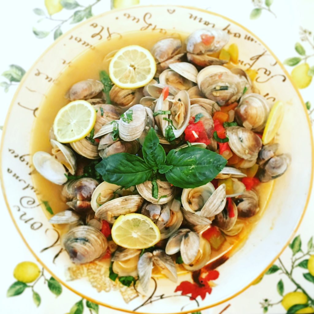 Steamed Clams in Wine and Tomatoes