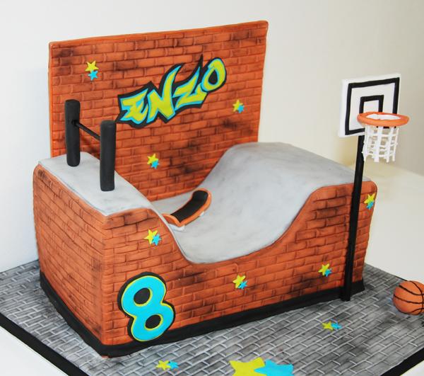 Gâteau d'anniversaire Skate Park autre vue