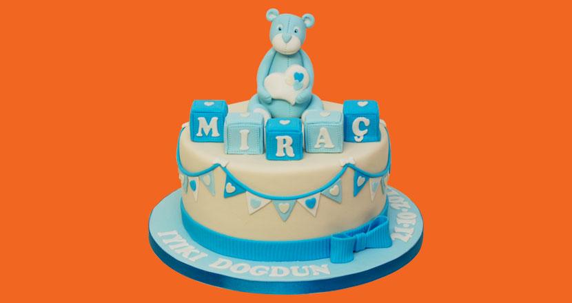 Gâteau d'anniversaire de Miraç