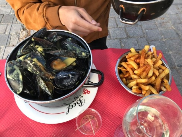 Moules chez moules and beff