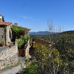 Castelnou, un village médiéval incontournable en Occitanie