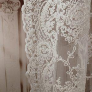 rideau dentelle boutique decoration