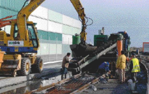 le havre le chantier ferroviaire en voies beton livre en avance a port 2000