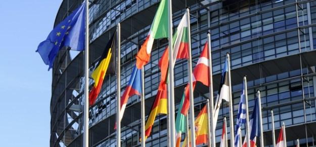 """L'Europe, """"responsable"""" du retour à la puissance libre des motos."""
