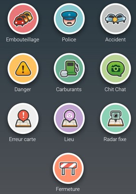 "Ecran ""signaler un événement"" de l'application Waze."