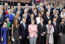 G20-Gruppenbild vor Elbphilharmonie