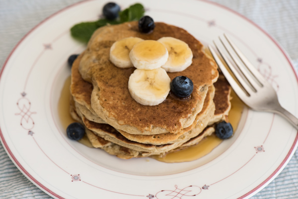 Airy Banana Oat Pancakes