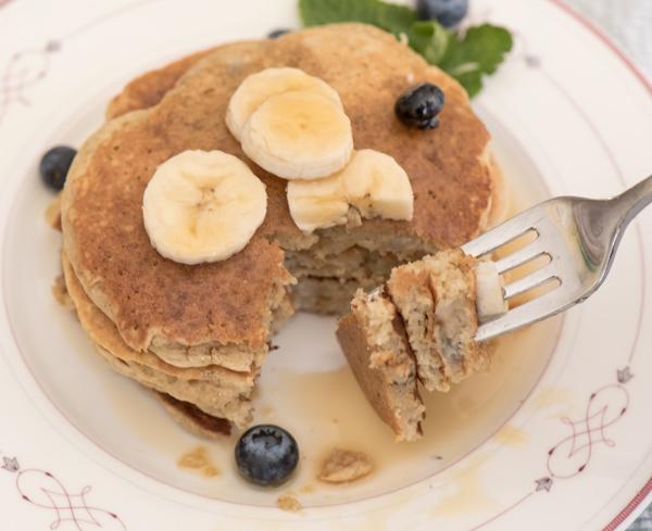 Airy Banana Oat Pancake recipe