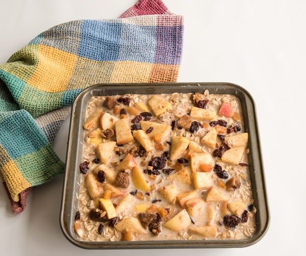 Baked Oatmeal with Apples and Apriots