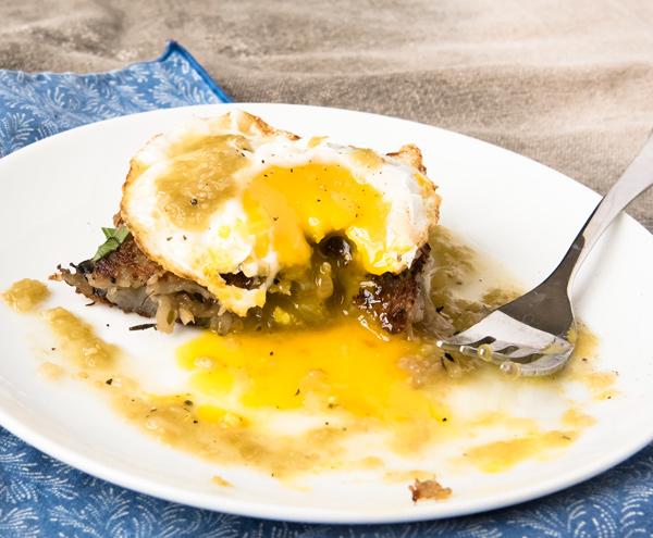 Rosti: Crispy Potato Pancakes with Mushrooms and Onions recipe
