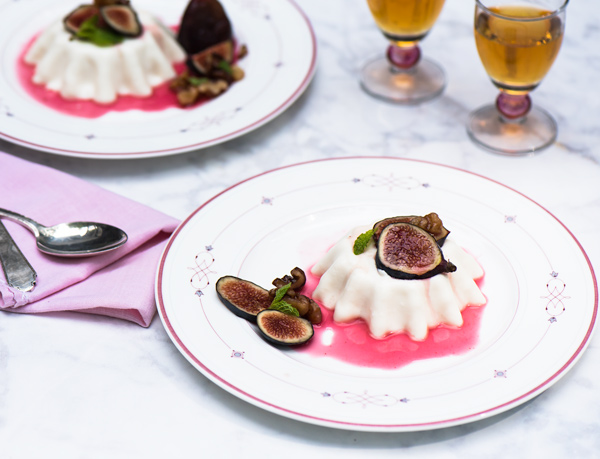 Spiced Figs with Yogurt Panna Cotta