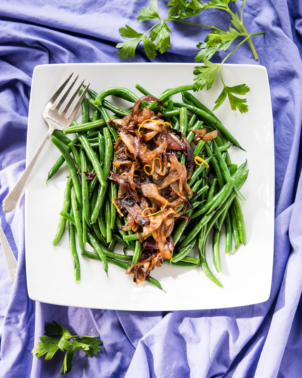 Holiday Green Beans with Roasted Onions