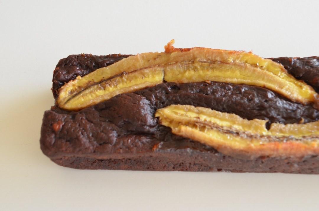 Bizcocho vegano de chocolate y plátano