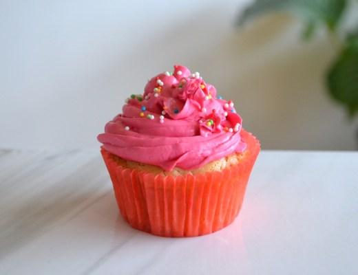 cupcakes de chocolate blanco veganos