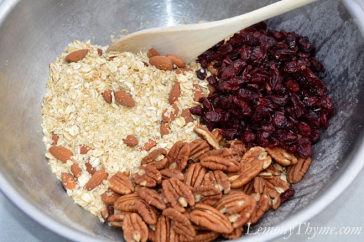 Vanilla, Almond & Cranberry Quinoa Granola2