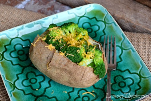 Baked Potato with Garlic Roasted Broccoli & Cheddar1