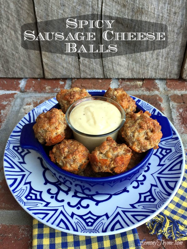 Spicy Sausage Cheese Balls | LemonyThyme.com