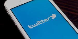 sharing tweet twitter