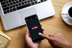 5-aplikasi-broadcast-live-stream-gratis