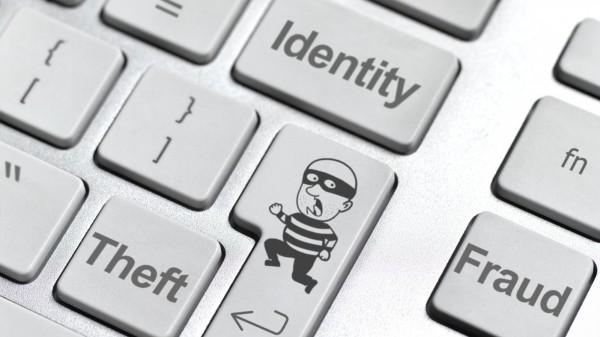 Membuat Nama dan Identitas Palsu di Internet