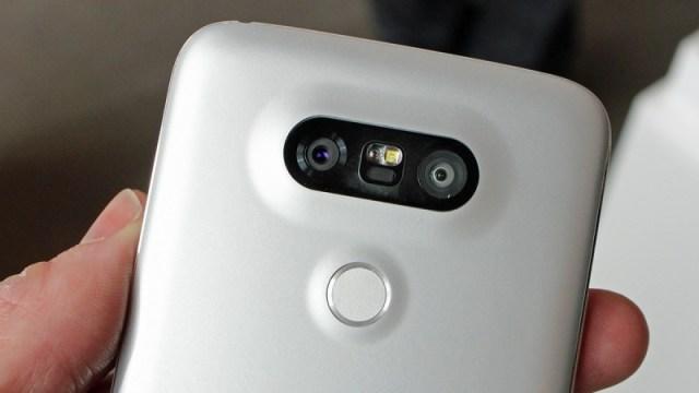 Akses Kamera