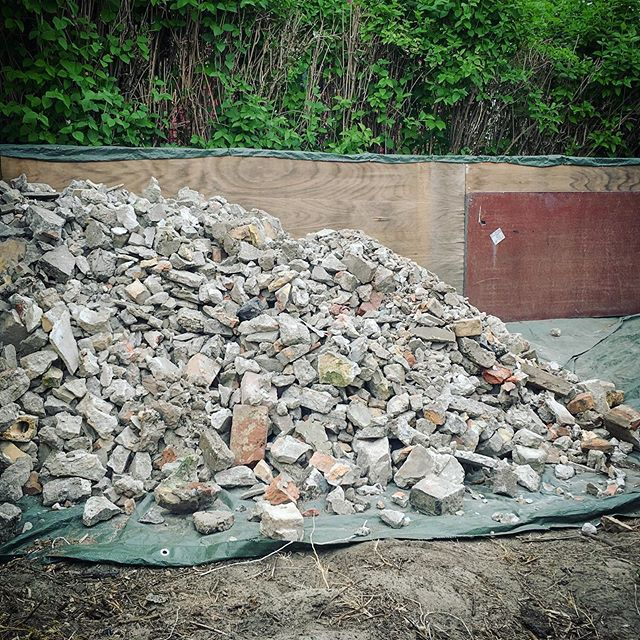The temporary rubble storage is getting full…
