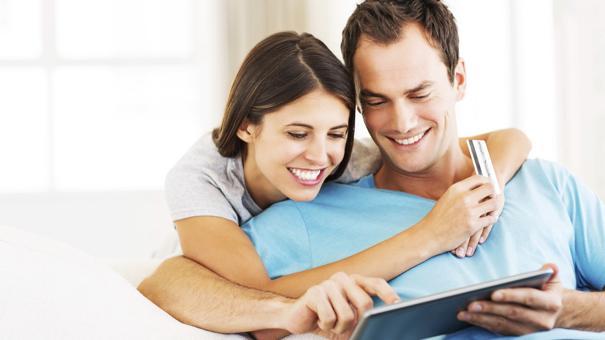 couple fixing credit score
